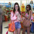 Alessandra Ambrosio fait du shopping à Malibu le 6 juillet 2013.