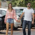 Promenade matinale pour Alessandra Ambrosio et Jamie Mazur le 6 juillet 2013