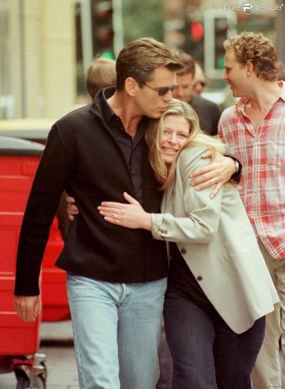 Pierce Brosnan et sa fille Charlotte, à Edimbourg (photo non datée)