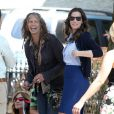 Steven Tyler rend visite à sa fille Liv Tyler sur le tournage de 'The Leftovers' à New York, le 8 juillet 2013.
