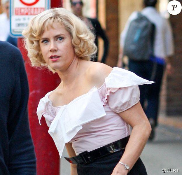 Amy Adams superbe mais métamorphosée sur le tournage de Big Eyes à New Westminster, Canada, le 11 juillet 2013.