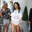 Rihanna quitte son hotel pour se rendre a Birmingham pour son concert, le 18 juillet 2013