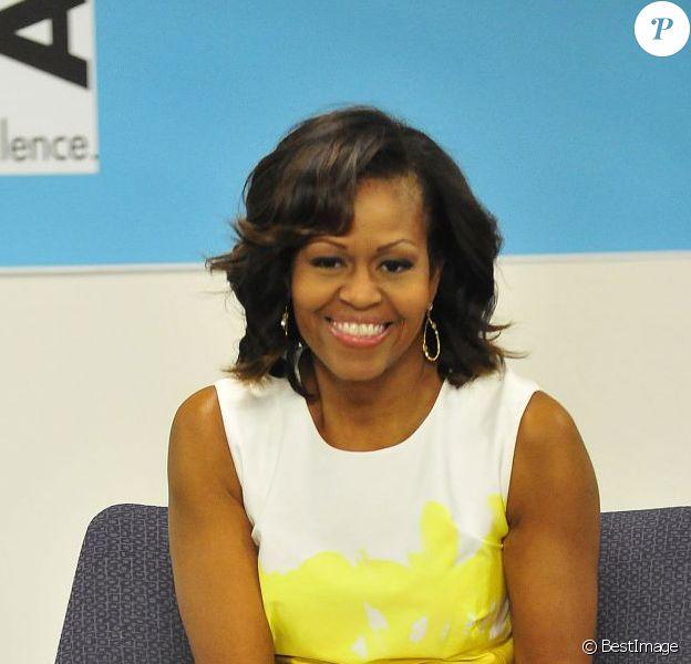 Michelle Obama, sublime lors d'une rencontre avec le maire de Chicago Rahm Emanuel à l'Urban Alliance de Chicago le 18 juillet 2013