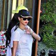 Rihanna, toute en transparence, à la sortie de son hotel à Stockholm, le 22 juillet 2013