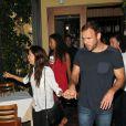 Eva Longoria et son petit ami Ernesto Arguello sortent du restaurant à West Hollywood, le 21 juillet 2013.