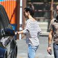 Sandra Bullock va chercher son fils Louis à l'école. A Los Angeles, le 30 juillet 2013.
