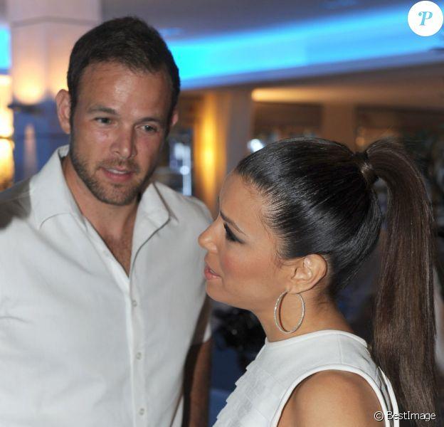 "Eva Longoria et Ernesto Arguello au gala ""Starlite"" à Marbella en Espagne le 4 août 2013."