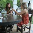 Vanessa Hudgens et Ashley Tisdale dans leur télé-réalité intitulé Vanessa & Ashley: Inner Circle, diffusé sur E!