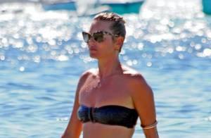 Kate Moss en bikini pour de folles vacances à Ibiza avec son mari et sa fille