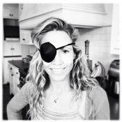 Sheryl Crow : Un oeil de pirate pour la maman blessée au tennis