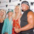 Hulk Hogan et sa famille à Miami, le 28 août 2004.