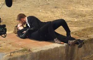 Robert Pattinson : Baisers fougueux au pays des merveilles avec Mia Wasikowska