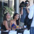 Nabilla et Laura Coll sur le tournage de Hollywood Girls saison 3, à Los Angeles, le jeudi 15 août 2013.
