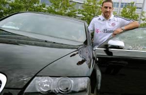 PHOTOS : Franck Ribéry, un très beau cadeau... très inutile !