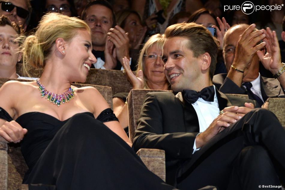 Scarlett Johansson à Venise avec son compagnon français Romain Dauriac le 3 septembre 2013 pour la projection de Under the Skin de Jonathan Glazer lors de la 70e Mostra.