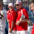 Le prince Albert II de Monaco et la princesse Charlene ont tendrement savouré leur trophée. Associés à Dylan Rocher et Daniel Elena, ils ont remporté le 5 septembre 2013 le tournoi Peace and sport pro/am organisé à la veille de la finale des Masters de Pétanque de Monaco 2013 sur la place du palais princier.