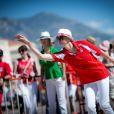 Avec style, Charlene a contribué à la victoire de l'équipe princière... Le prince Albert II de Monaco et la princesse Charlene, associés à Dylan Rocher et Daniel Elena, ont remporté le 5 septembre 2013 le tournoi Peace and sport pro/am organisé à la veille de la finale des Masters de Pétanque de Monaco 2013 sur la place du palais princier.