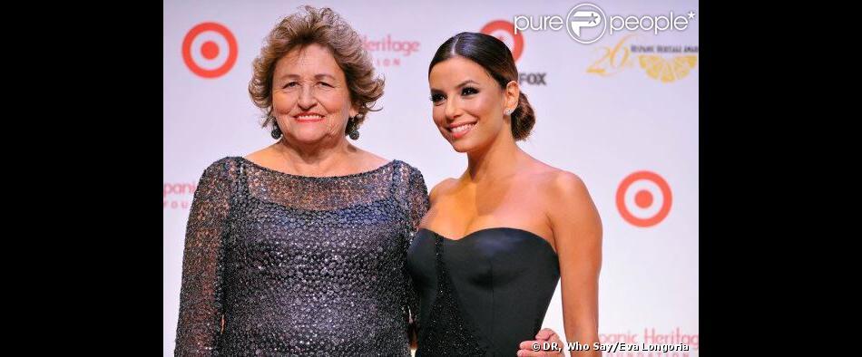 Eva Longoria et sa maman Ella à la 26e cérémonie des Hispanic Heritage Awards au John F. Kennedy Center for the Performing Arts de Washington, le 5 septembre 2013.