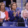 La reine Sofia d'Espagne assiste au triomphe de Rafael Nadal en finale de l'US Open à Flushing Meadows le 9 septembre 2013 face à Novak Djokovic