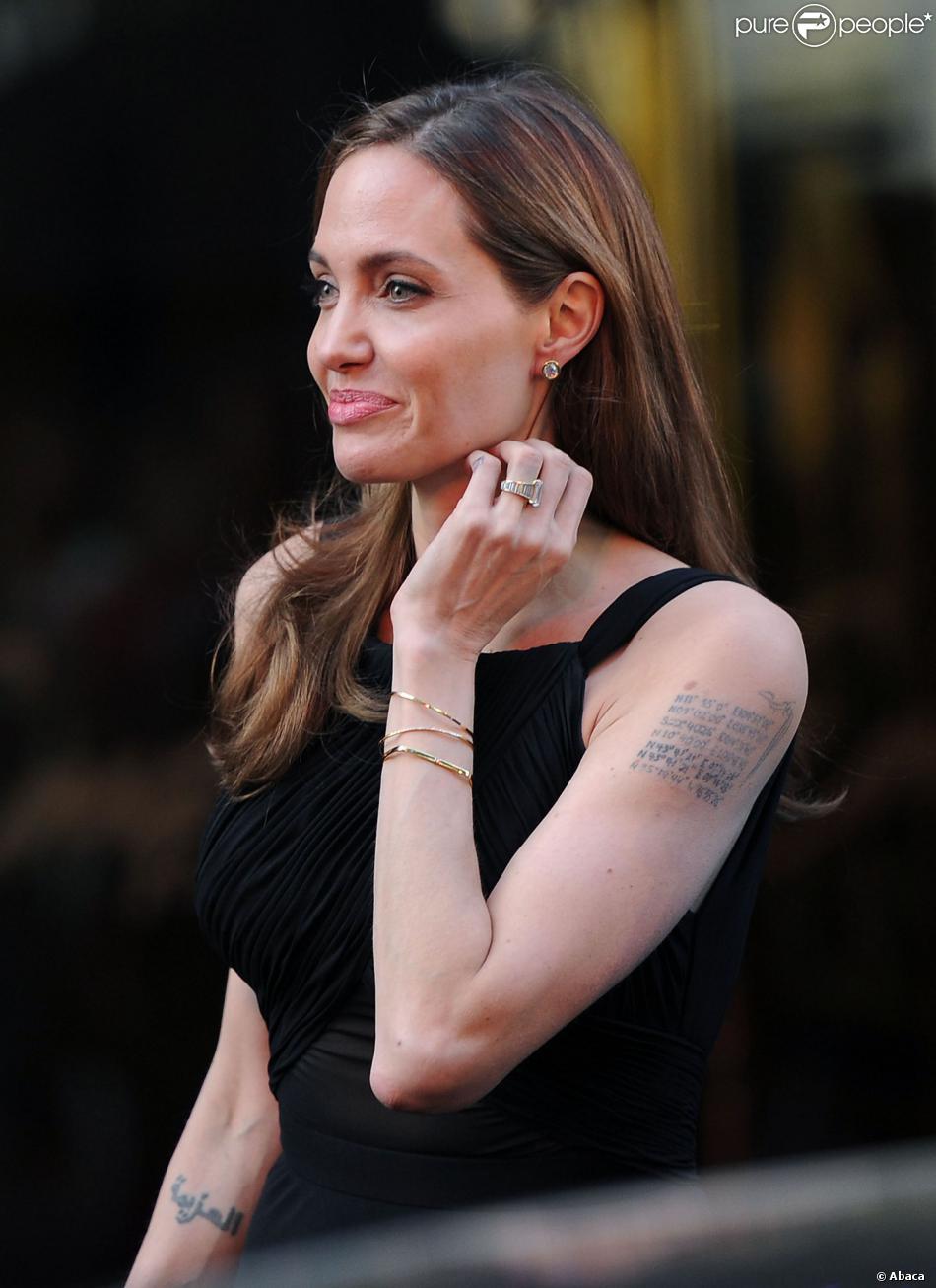 Angelina Jolie Un Nouveau Tatouage Pour La Superstar Et Maman De 6