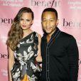 Chrissy Teigen et John Legend lors des They're REAL-Volutionary Awards organisés par la marque Benefit Cosmetics à New York, le 4 septembre 2013.