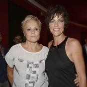 Muriel Robin : Acclamée par sa compagne Anne Le Nen et une pluie de stars