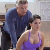 Alec Baldwin : Une séance de yoga embarrassante avec sa femme Hilaria...