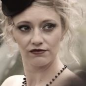 Annette de Premiers Baisers, Dounia Coesens : Glamour et dénudées toute l'année