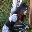 Sandra Bullock et son fils Louis, deguisés, se rendent à une fête d'Halloween à Los Angeles, le 19 octobre 2013.