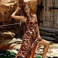 Irina Shayk, exquise en robe tigrée dans le lookbook de Roberto Cavalli para C&A élaborée par Roberto Cavalli pour C&A Brésil.