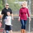 Britney Spears et Kevin Federline assistent à un match de football de leurs enfants à Los Angeles, le samedi 26 octobre 2013.