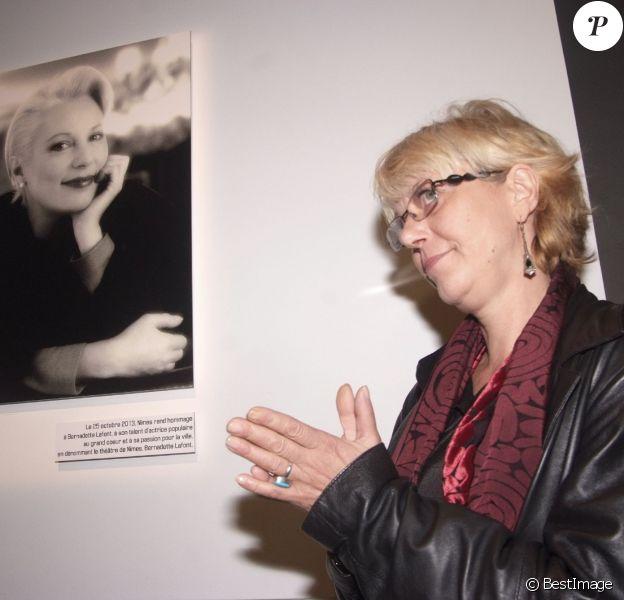 L'inauguration du théâtre Bernadette Lafont, en présence de sa fille Elisabeth Lafont Medveczky à Nîmes, le 25 octobre 2013