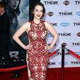 """Kat Dennings à la première du film """"Thor : Le Monde des ténèbres"""" au cinéma El Capitan à Hollywood, le 4 novembre 2013."""
