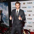 """Liam Hemsworth à la première du film """"Thor : Le Monde des ténèbres"""" au cinéma El Capitan à Hollywood, le 4 novembre 2013."""