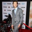 """Chris Hemsworth à la première du film """"Thor : Le Monde des ténèbres"""" au cinéma El Capitan à Hollywood, le 4 novembre 2013."""