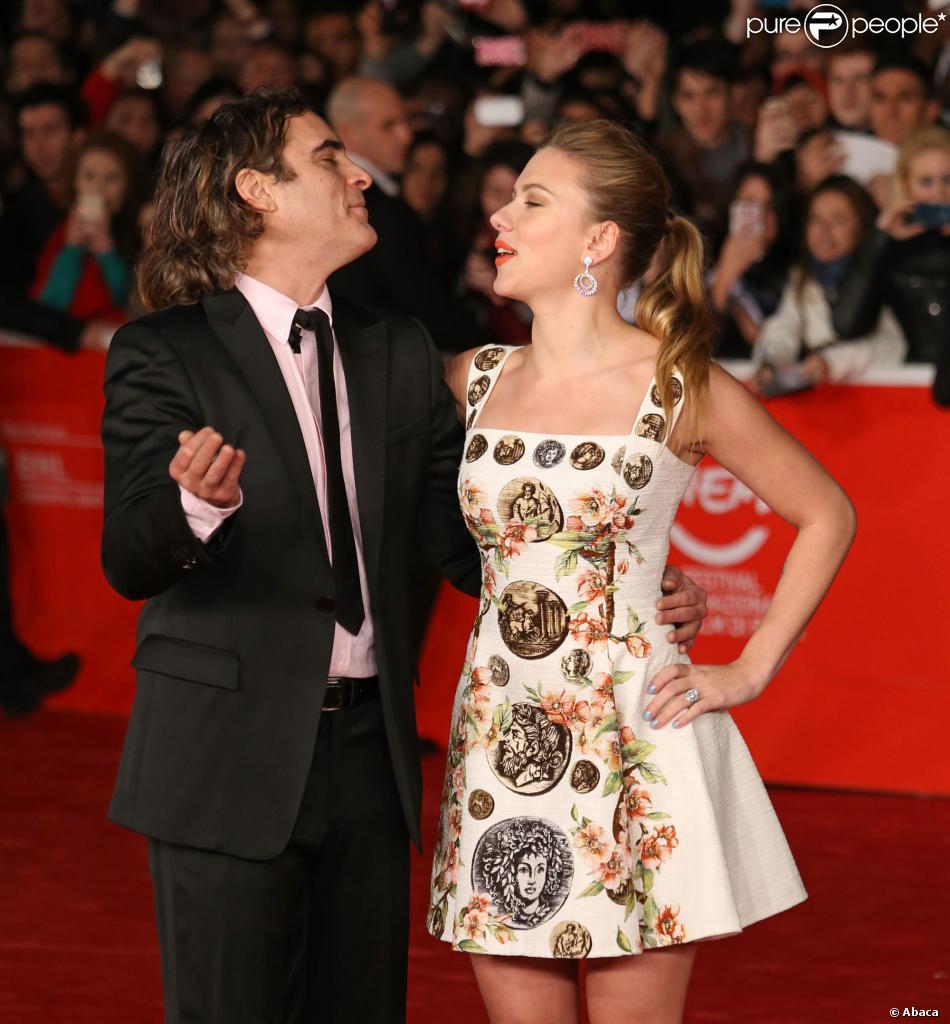 Scarlett Johansson : Radieuse et sous le charme du chevelu ...