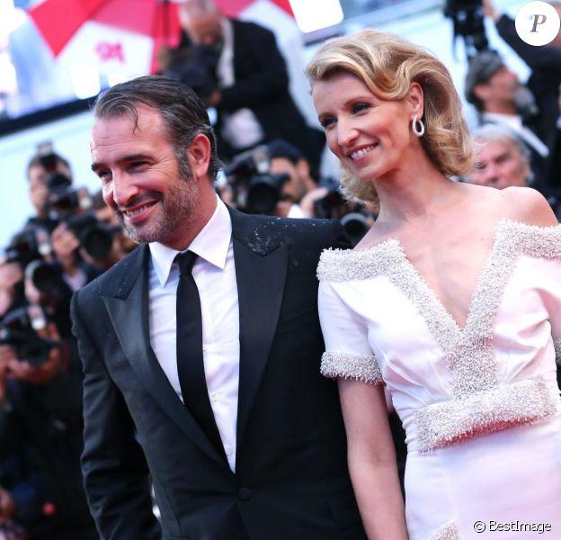 Jean Dujardin et Alexandra Lamy, lors de la montée des marches du film Thérèse Desqueyroux au Festival de Cannes le 27 mai 2012