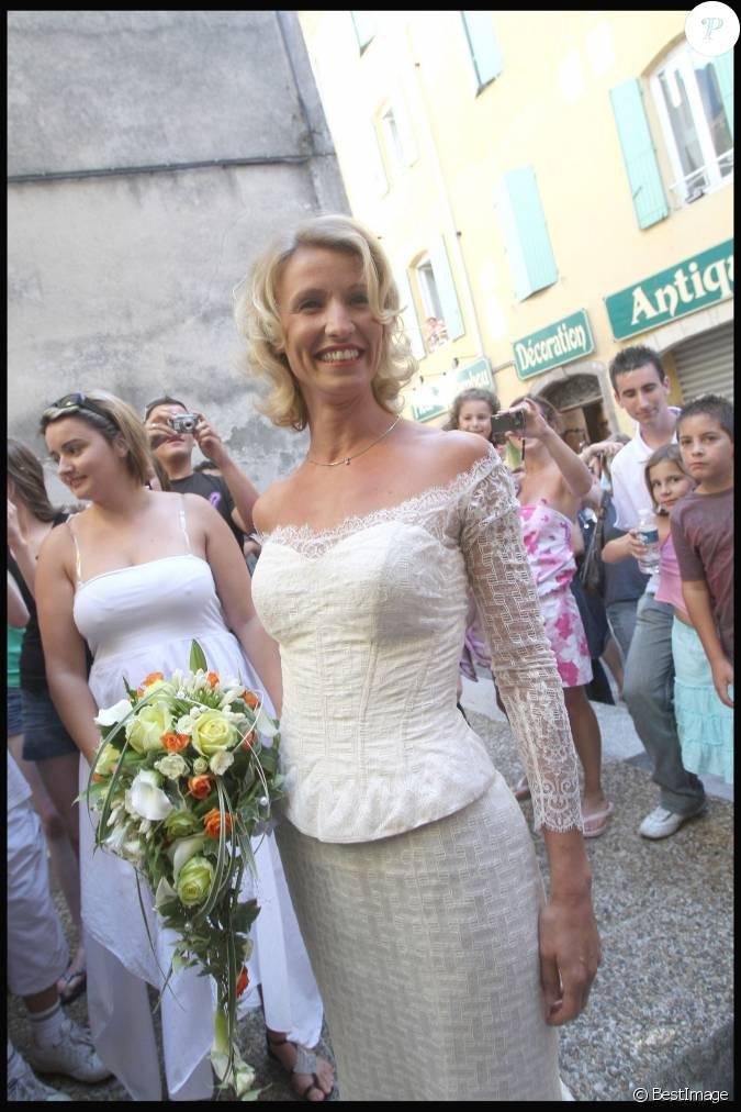 Alexandra lamy lors de son mariage avec jean dujardin le for Alexandra et jean