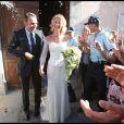 Alexandra Lamy et Jean Dujardin pendant leur mariage à Anduze dans les Cévennes le 25 juillet 2009