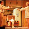 Jean Dujardin et Alexandra Lamy au théâtre dans Deux sur la balançoire.