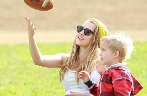 Teresa Palmer enceinte : Rayonnante et sportive, elle joue déjà à la maman
