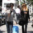 Rachel Zoe, enceinte, fait du shopping avec son mari Rodger Berman et leur fils Skyler. West Hollywood, le 27 novembre 2013.