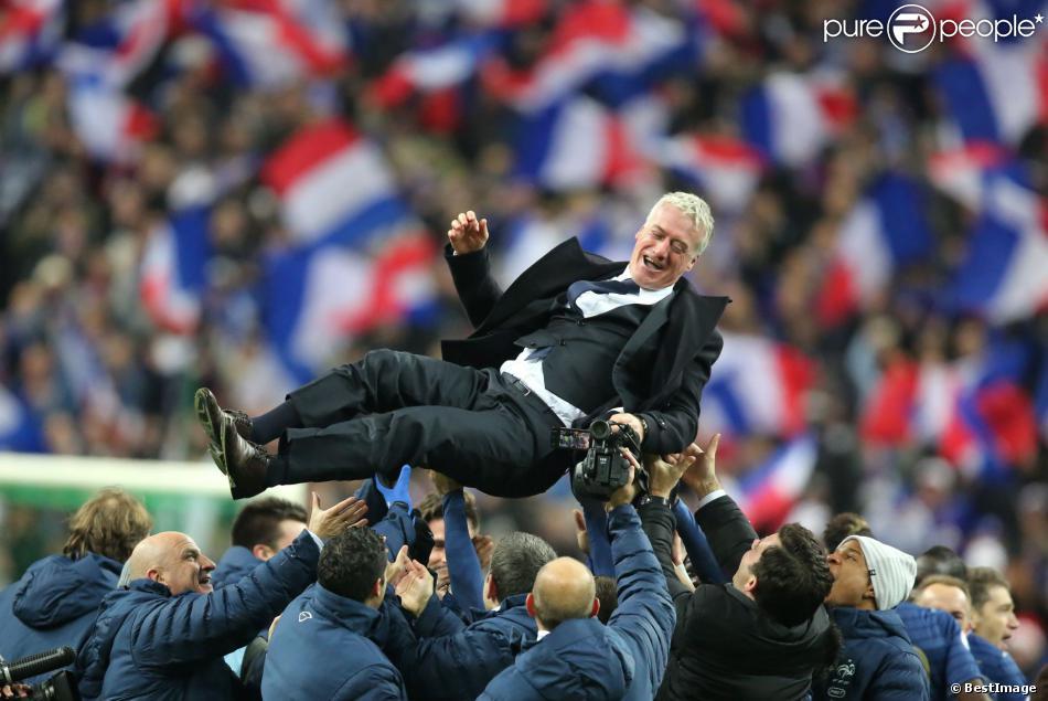 Didier deschamps heureux lors de la qualification pour la prochaine coupe du monde au br sil en - Prochaine coupe du monde foot ...