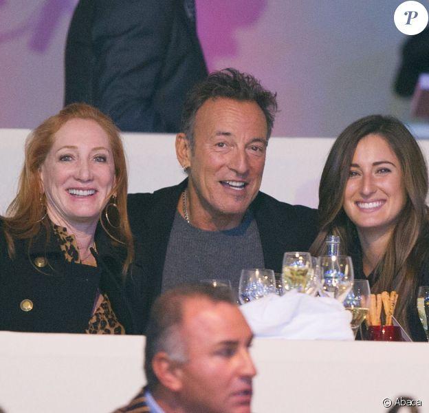 Bruce Springsteen, sa femme Patti Scialfa et sa fille Jessica lors de la dernière journée du Gucci Paris Masters 2013 à Villepinte, le 8 décembre 2013