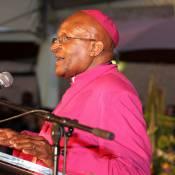 Desmond Tutu cambriolé pendant l'hommage à Nelson Mandela !