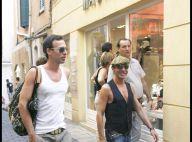 PHOTOS : John Galliano et son petit ami font du shopping à Saint-Tropez