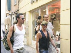 PHOTOS : John Galliano et son petit ami font du shopping à Saint-Tropez
