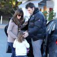 Ben Affleck dépose Jennifer Garner et Violet Affleck au Brentwood Country Mart, Los Angeles, le 11 décembre 2013.
