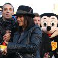 Exclusif - La chanteuse Alizée officialise sa relation avec son compagnon le danseur Gregoire Lyonnet lors du coup d'envoi des illuminations de Noël à Ajaccio le 7 decembre 2013 en presence de son papa, de sa fille Annily et du maire d'Ajaccio Simon Renucci.