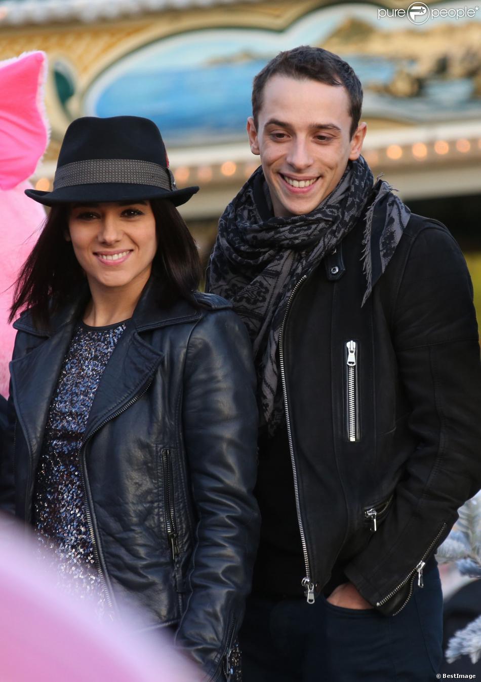 Exclusif - La jolie Alizée officialise sa relation avec son compagnon le danseur Gregoire Lyonnet lors du coup d'envoi des illuminations de Noël à Ajaccio le 7 decembre 2013 en presence de son papa, de sa fille Annily et du maire d'Ajaccio Simon Renucci.